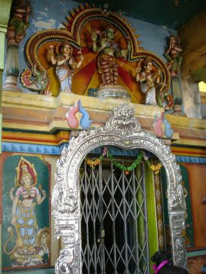 Tempel på toppen i Trincomalee