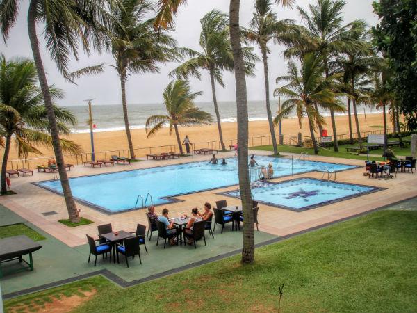 Strand og pool Negombo