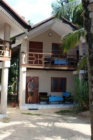 Vores bungalow fem meter fra stranden